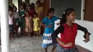 preview picture of video 'Kids Dancing at a Summer Camp in Dibrugarh District, Assam, India'