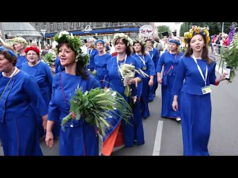 Kurzemnieki Dziesmu un Deju svētku gājienā