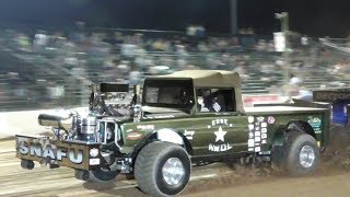Lucas Oil Modified 4X4 Trucks Pulling At The Buck
