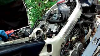 How To Remove Your Carburetor Easily 30 Minutes - Honda VFR750