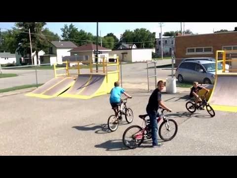Manly Iowa skate park 8/18/17 Dr D, and the wrecking crew