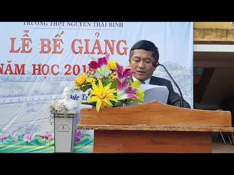 Thầy Phạm Quốc Quỳnh báo cáo tổng kết năm học 2019 - 2020