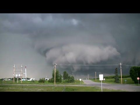 Powerful tornado f5