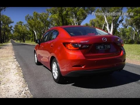 2015 Mazda2 Maxx sedan 0-100km/h & engine sound