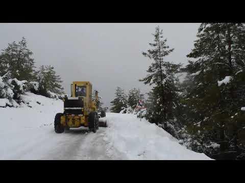 Karla kapanan yollar açılıyor