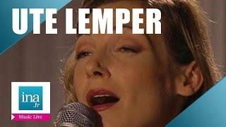 """Ute Lemper """"Complainte de la Seine"""" (live officiel) - Archive INA"""