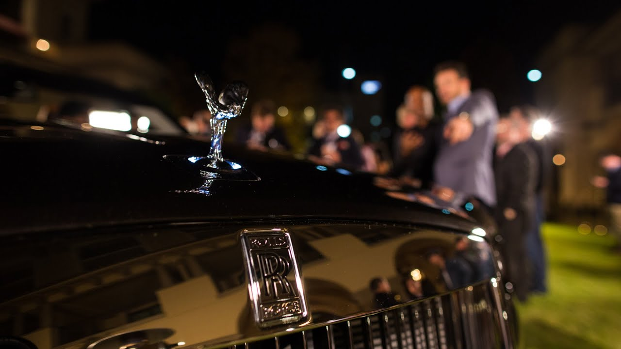 The most expensive convertible at the LA Auto Show is a Rolls-Royce thumbnail