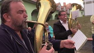 VACENOVICE-Domácí muzikanti z dechové hudby dělali příjemnou hudební kulisu