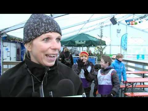 Annamarie Thomas geeft schaatsles in Cuijk