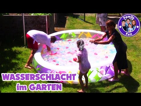 500 WASSERBOMBEN SCHLACHT CHALLENGE| Wasserschlacht  Pool | BUNCH O BALLOON Water Battle | FAMILYFUN