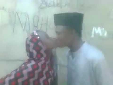 Iskancin saurayi da budurwa Hausa wa