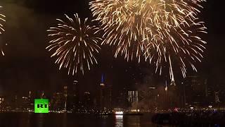 60 тысяч фейерверков озарили небо Нью-Йорка в честь Дня независимости США