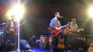 """Jorge Drexler canta """"Una canción me trajo hasta aquí""""_10.06.2010"""