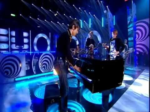 Franz Ferdinand - Eleanor Put Your Boots On (Top Of The Pops 2005)