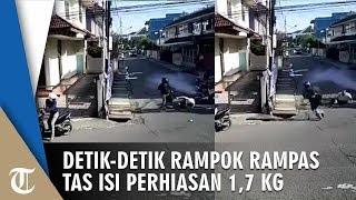 Video Detik-detik Perampokan di Simpang Tiga di Palembang, Pelaku Bawa Kabur 1,7 Kg Perhiasan