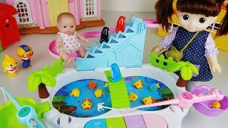 Baby Doll fishing fish toys and penguin slide play - ToyMong TV 토이몽