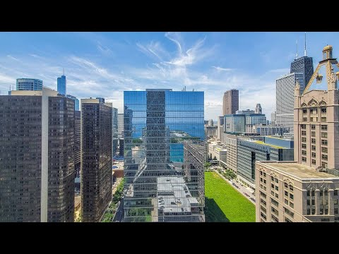 A large Streeterville -09 studio steps from the beach at Axis