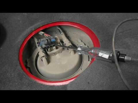 Wie den Sensor des Drucks des Dunstes des Benzins zu prüfen