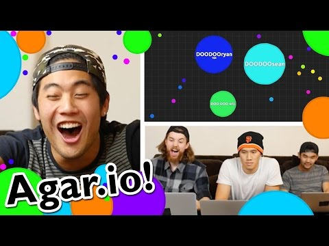 Playing Agario!