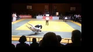 preview picture of video '1. Judo Bundesliga: Lars Entgens (Walheim) vs Phillipp Hollmann (Potsdam)'