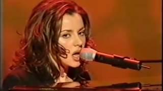 """Tina Arena performs """"Burn"""" at the Arias"""