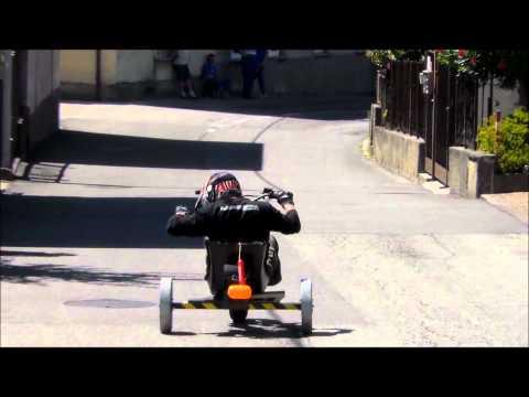 La birocia: la gara delle auto con le ruote di legno