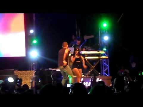 Banda Eva e Anitta em Salvador