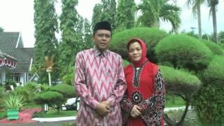 preview picture of video 'Ucapan Idul Fitri 1434 H - Bapak & Ibu Bupati Bantaeng'