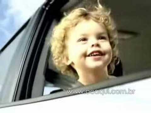 Hyundai Commercial for Hyundai Santa Fe (2007) (Television Commercial)