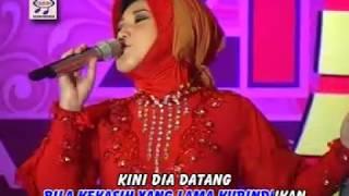 Evie Tamala - Pertemuan OM.Monata (Official Music Video)