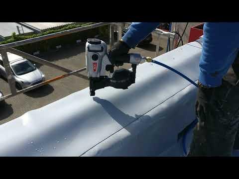 Flachdachsanierung mit dem Dachpappnagler ACE 3145-B