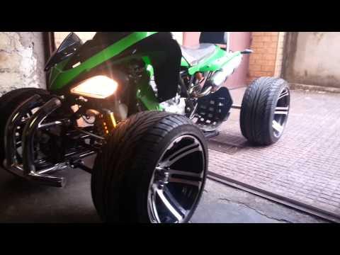 Video Quad 250cc atv utv drift engine sound