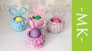 Подставка-кролик под пасхальное яйцо крючком из трикотажной пряжи
