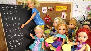 MATH Test ! Elsa and Anna toddlers at School - Who