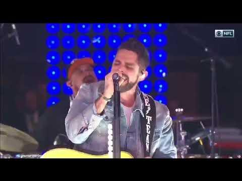 Tailgate Watch: Thomas Rhett's Unforgettable Medley During Thanksgiving Halftime Show