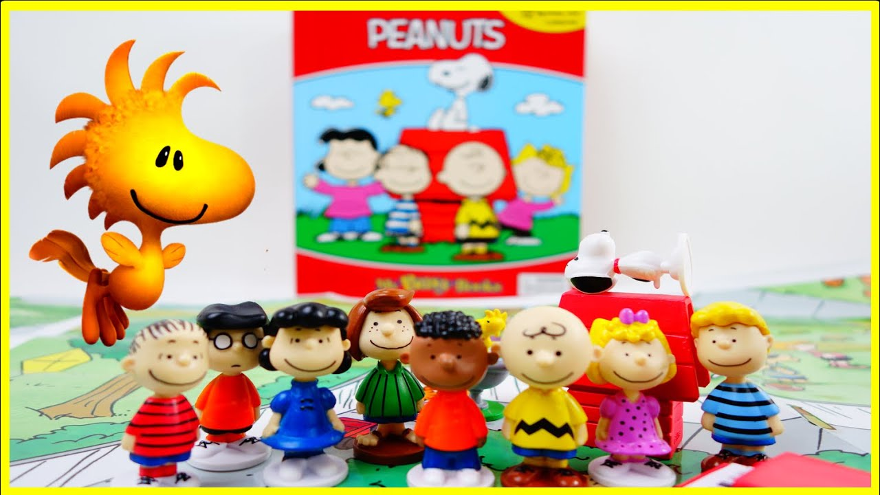 The Peanuts My Busy Book Review - Charlie Brown and Snoopy | Evies Toy House