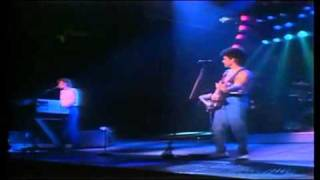 Hall and Oates - Wait For Me (Live)