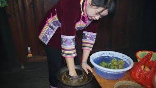 农村姑娘用妈妈教的土办法秘制了一坛外婆菜,其实窍门就在这一步