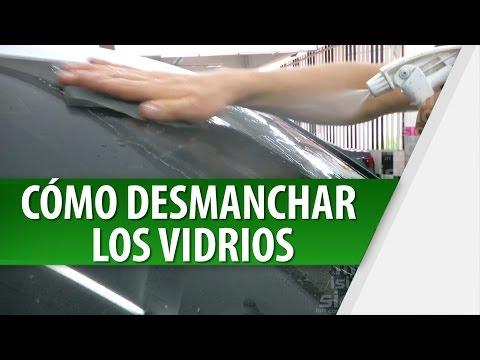 Cómo Desmanchar los Vidrios del Carro
