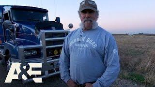 Shipping Wars: Your Weirdest Motel Experience While On Haul (Season 5, Episode 3) | A&E