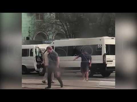 Mortal Kombat по-орски: водители маршруток устроили драку в центре города