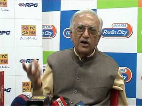 Ameen Sayani launches Geetmala Ki Chhaon Mein Vol 11-15 on Radio City