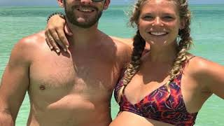 Gambar cover Grade School from Thomas Rhett and Lauren Akins' Romance Timeline