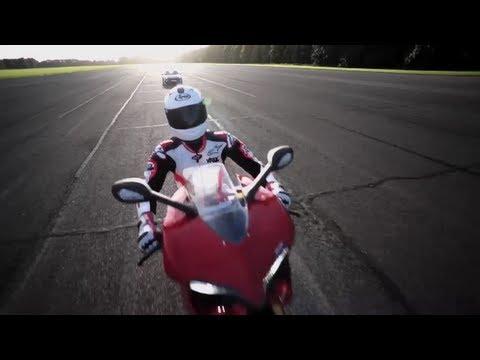 Porsche GT2 RS vs Ducati 1199 Panigale 200mph Drag Race