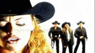 Amor Ilegal - Zayda y Los Culpables  (Video)