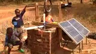 preview picture of video 'Solar Rope Pump, Malawi, Blog 4. WATER!!!'