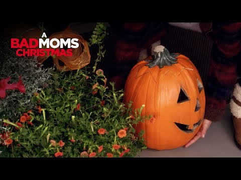 A Bad Moms Christmas (TV Spot 'Pumpkin')