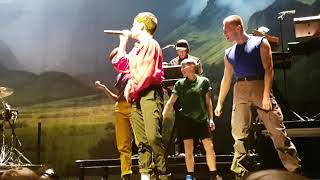 Christine And The Queens Comme Si On S'aimait Arkea Arena 5/12/2018