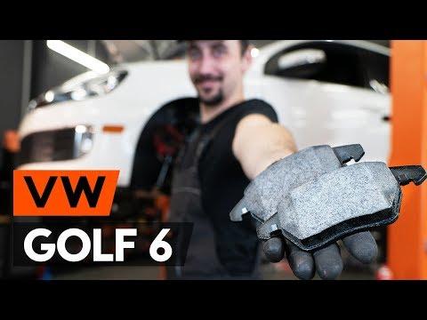 Wie VW GOLF 6 (5K1) Bremsbeläge vorne / Bremsklötze vorne wechseln [TUTORIAL AUTODOC]