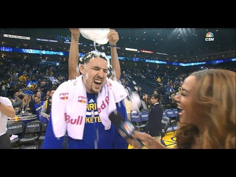 Klay Thompson Cools Down with Ice Shower From Stephen Curry | 12.05.16